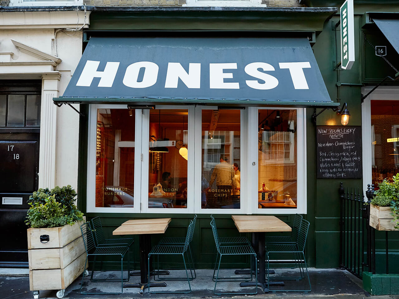 outside tables at honest burgers st christophers pl